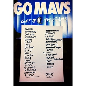 Setlist photo from Pearl Jam - American Airlines Center, Dallas, TX, USA - 15. Nov 2013